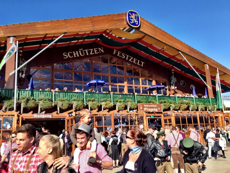 germany-munich-oktoberfest-tent