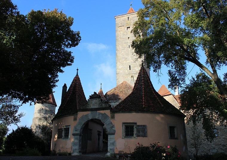 germany-rothenburg-entrance