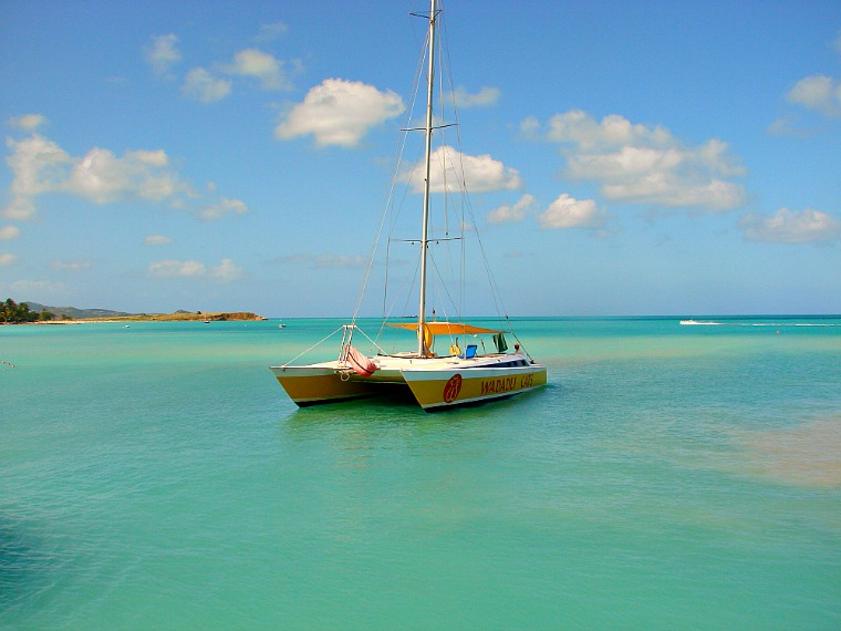 Antigua-BOAT