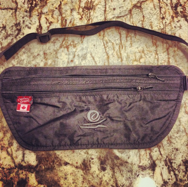 travel-pouch