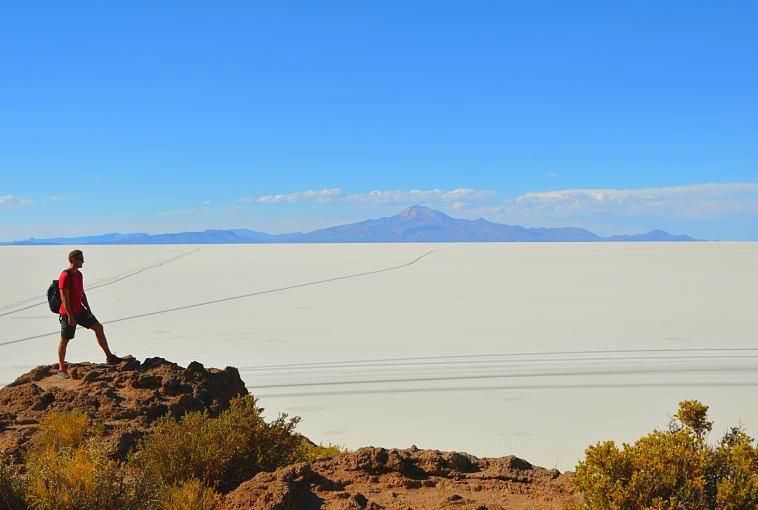 bolivia-uyuni-salt-flats-landscape