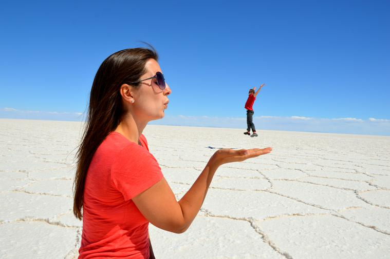 bolivia_uyuni-salt-flats-persepective