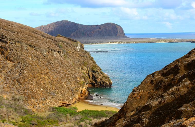 galapagos-punta-pitt-scenery-2