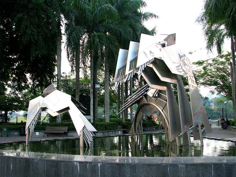 malaysia-kuching-statue