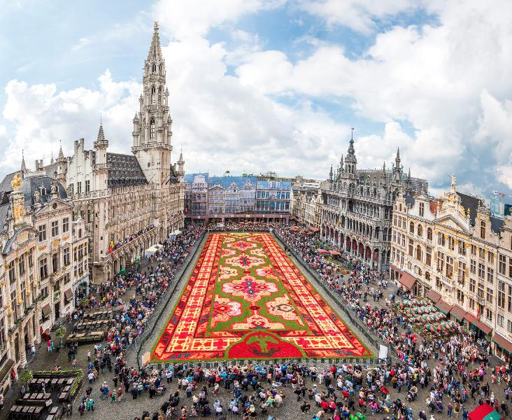 The flower carpet in Brussels. Courtesy of Shutterstock.