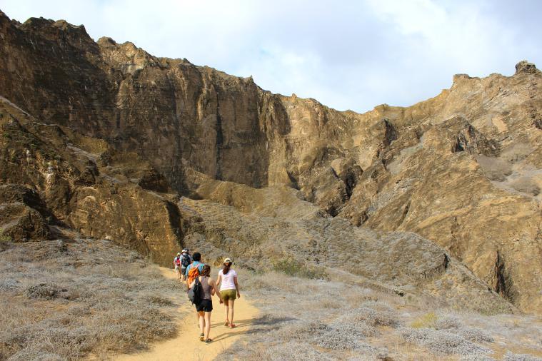 galapagos-punta-pitt-hiking