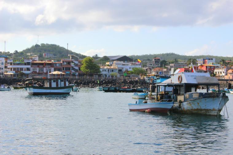 galapagos-san-cristobal-harbor