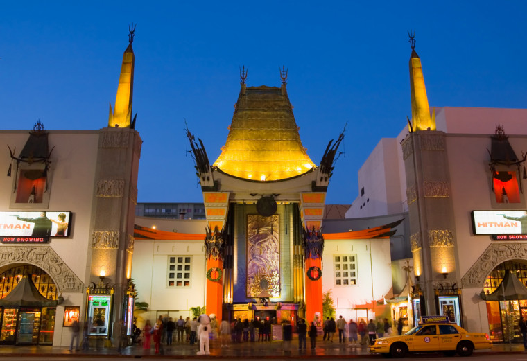 TSL Chinese Theatre. Andrew Zarivny / Shutterstock.com