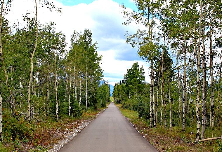 canada-legacy-trail-pathway