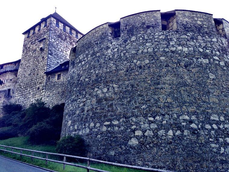 liechtenstein-vaduz-schloss-castle