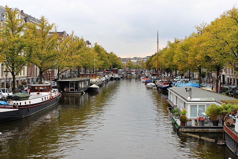 netherlands-amsterdam-canal-houseboats
