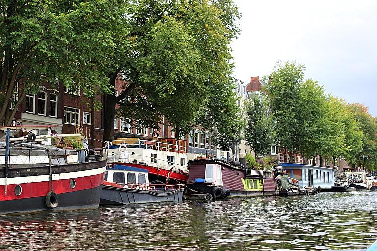 netherlands-amsterdam-houseboats