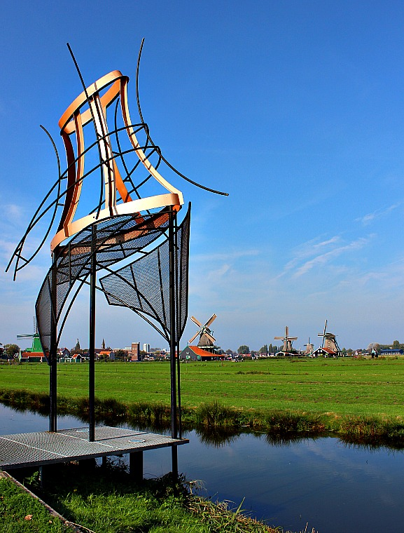 netherlands-zaanse-schans-sculpture