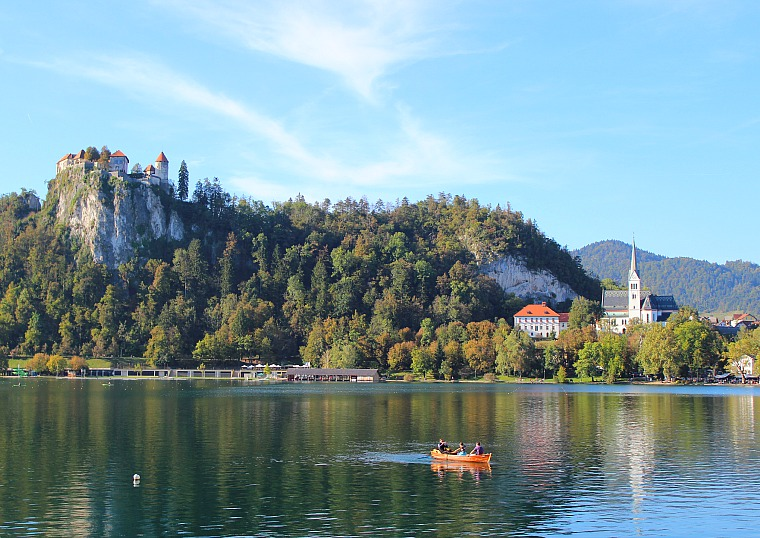 slovenia-lake-bled-boat