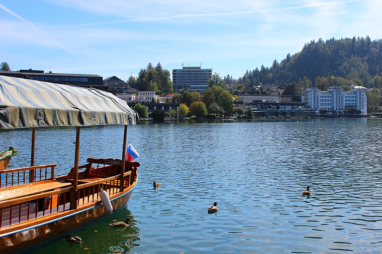 slovenia-lake-bled-boats