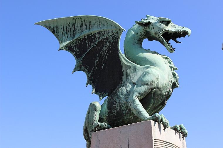 slovenia-ljubljana-dragon-bridge
