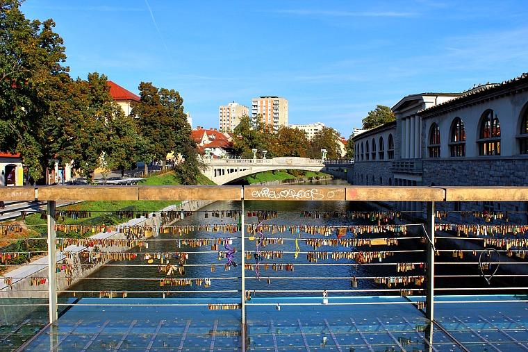 slovenia-ljubljana-lock-bridge
