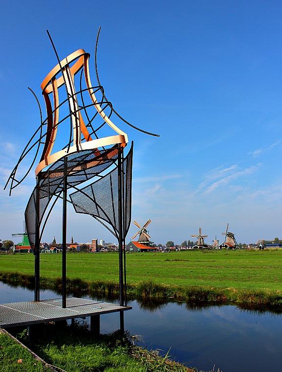 netherlands-zaanse-schans-sculpture
