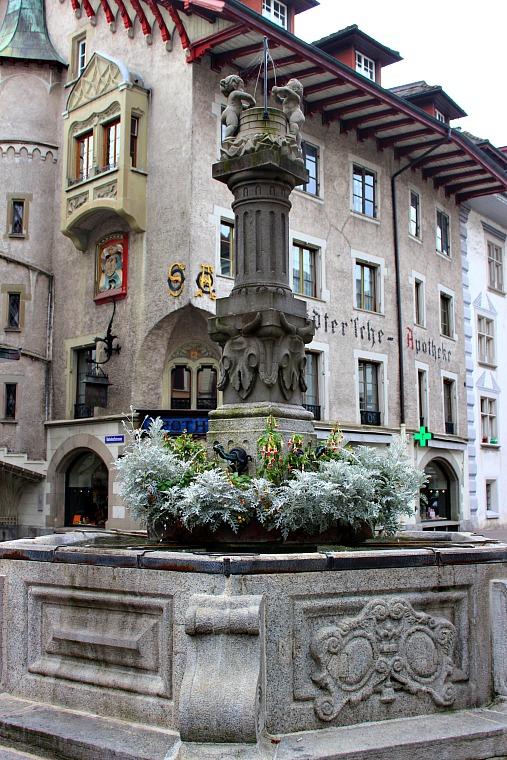 switzerland-lucerne-fountain