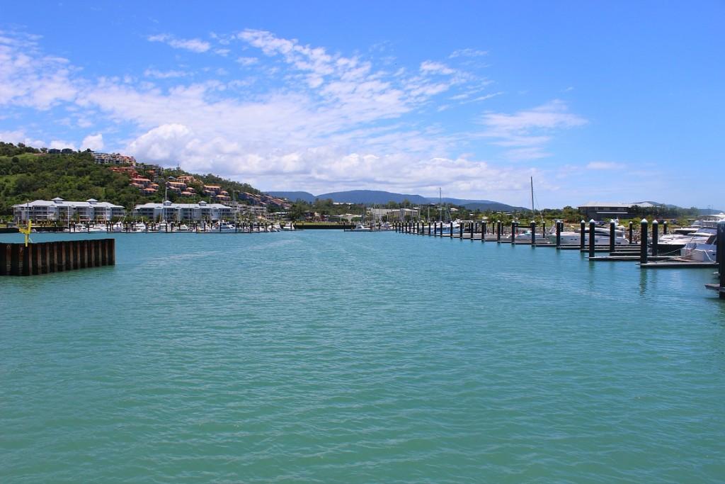 australia-airlie-beach-ferry-3