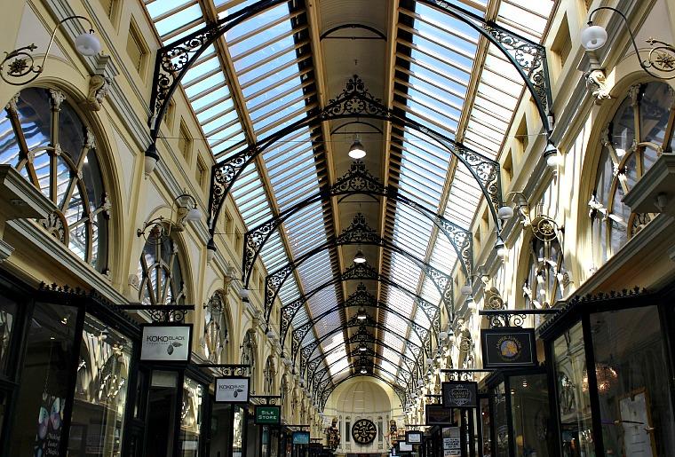 australia-melbourne-ceiling