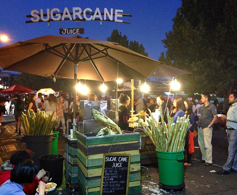 australia-melbourne-night-market-2