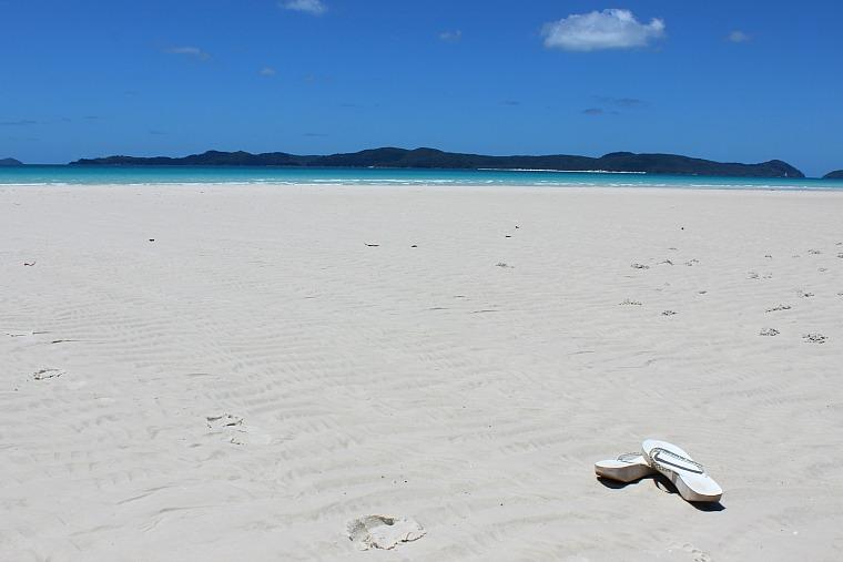 australia-whitsundays-whitehaven-sandals