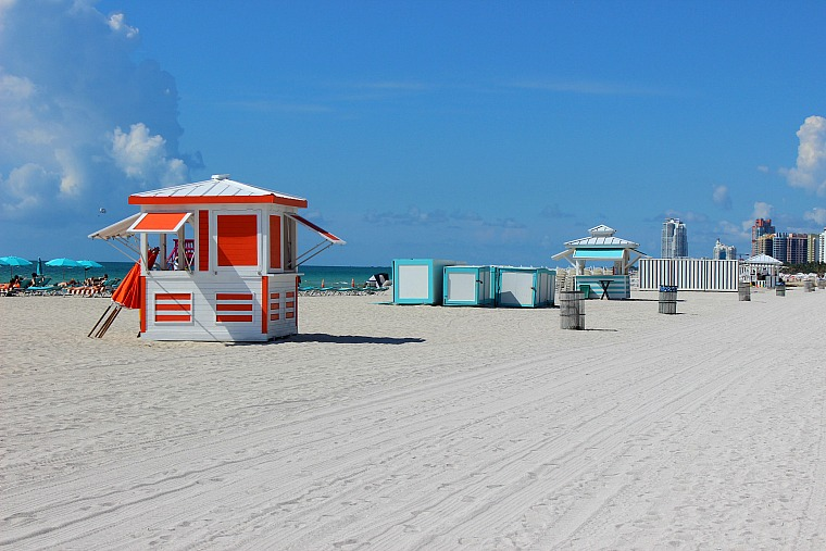 usa-miami-beach-huts