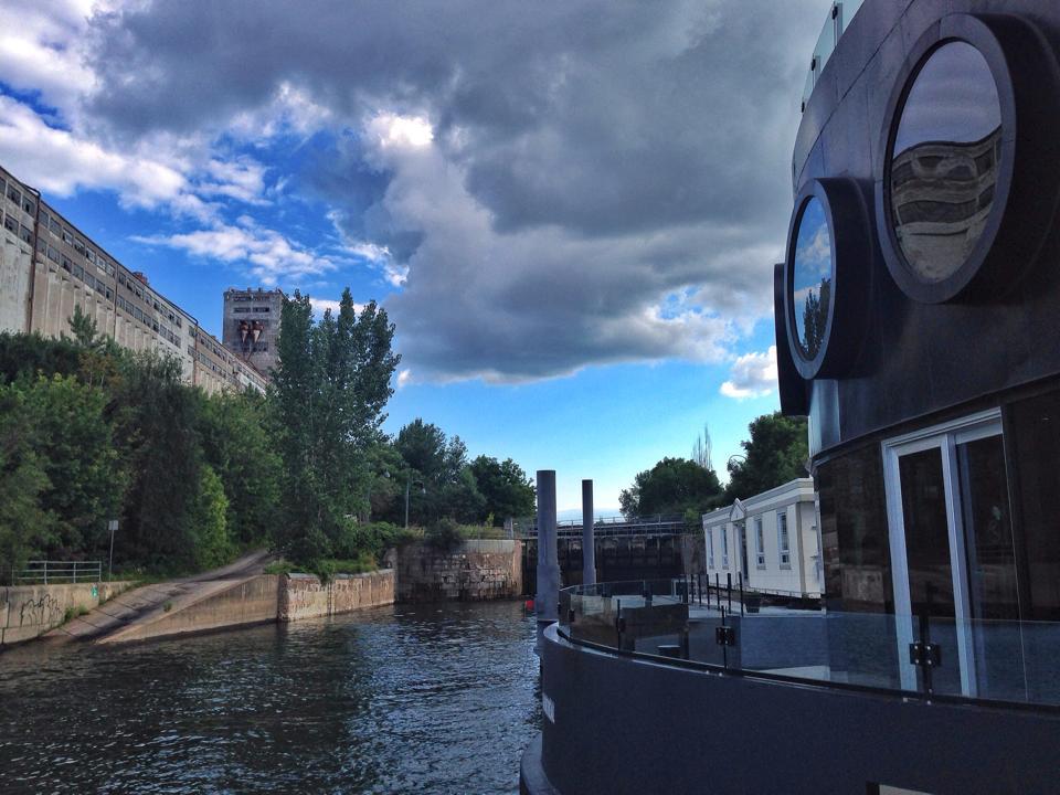 Canada-Montreal-BotaBota-dock
