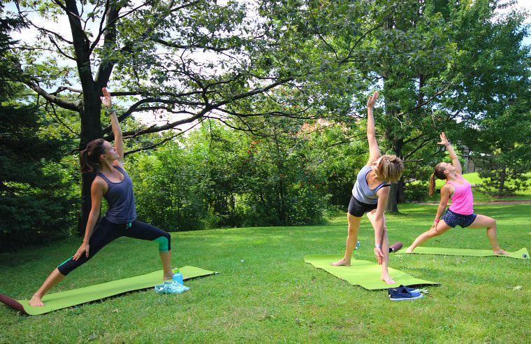 Canada-Quebec-Montreal-yoga-2