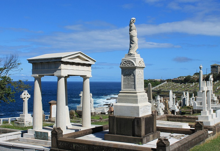 Waverly Cemetery Sydney coastal walk
