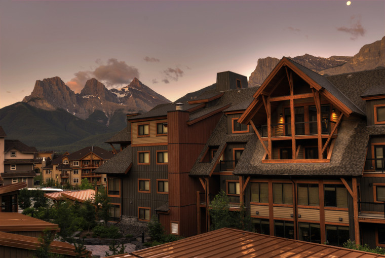 Lodging in Canmore. Courtesy of Shutterstock