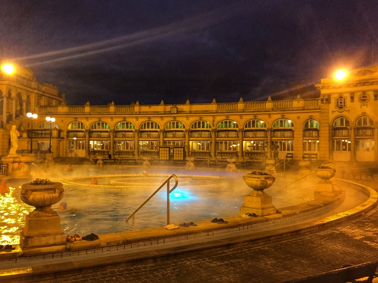 hungary-budapest-szechenyi-bath-pool