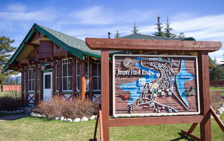 Canada-Alberta-Jasper-Lake-21