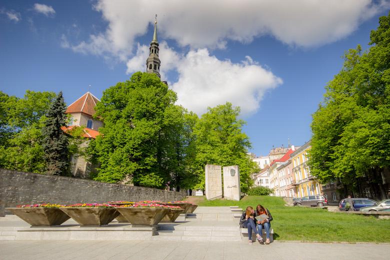Estonia-Tallinn-Square-5